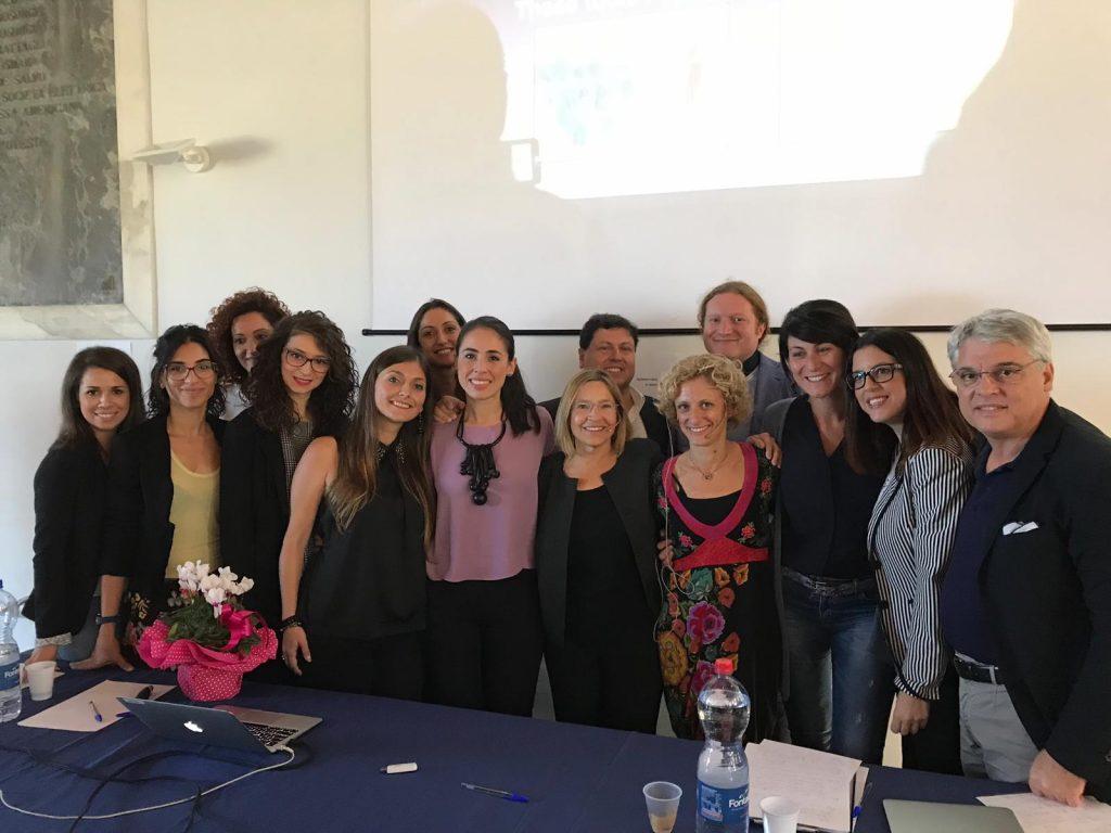 Gruppo di Ricerca del CNR-ISASI di Messina insieme alla Prof. Rogers